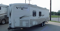 2010 V-Cross ST Super Lite 26VBH Travel Trailer * Only 4834 Dry Weight * Outdoor Kitchen *Stk. # 11359TR