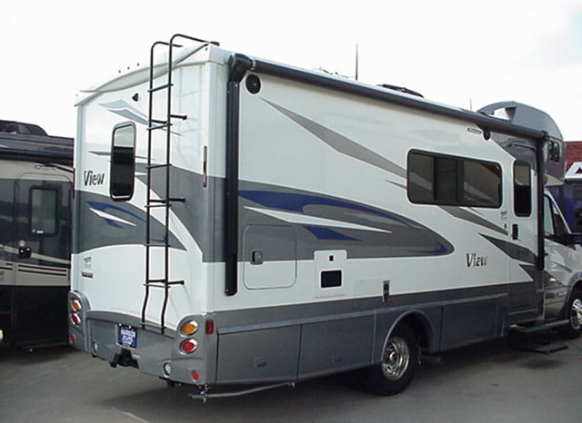 2018 WINNEBAGO View 24D * 60″x 75″ Murphy Bed * Zinc/Gray Interior * Aosta Canvas Woodwork * Cool Gray Paint & Graphics *  Stk. #38RV25 full