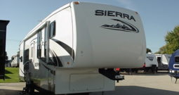 2009 Forest River Sierra 305RGS 5th Wheel * One Owner * Interior & Exterior Still Look New *
