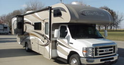 2013 Thor Four Winds 31L Class C * Only 13,375 Miles * 2 Slide Outs *