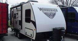 2018 WINNEBAGO Micro Minnie 1808FBS * Champagne Exterior W/Graphite Interior * Slide Out * Front Queen Bed * 3560 Lbs. Dry * Stk #1843TR