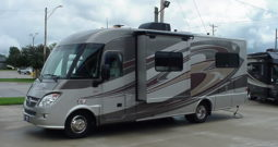 2013 Winnebago Via 25T * Twin/Queen Bed * Diesel Gen. * Full Paint * Only 18,468 One Owner Miles * Stk. # 11391WA