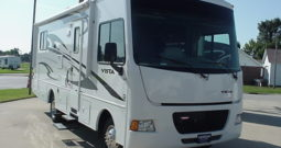 2013 Winnebago Vista 26HE*  36,573 One Owner Miles * Hyd. Leveling Jacks * Rear Queen Bed * Stk. # 11408WA