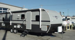 2019 Shasta Oasis 30QB * Quad Bunk Beds * 6090 Lbs. Dry Weight * Free Standing Dinette* Front Queen Bed * Stk. #1944TR
