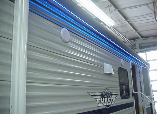 2020 Shasta Oasis 310K * Triple Bunk Beds * 6165 Lbs. Dry Weight * Outside Kitchen * Front Queen Bed * Stk. #2038TR full