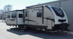 2018 Winnebago Minnie Plus 30RLSS * 3 Slides * Free Standing Table & Chairs * One Owner Stk. # 11422TR