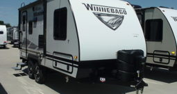 2020 WINNEBAGO Micro Minnie 1808FBS * White W/Pearl Interior Décor *Slide Out * Front Queen Bed * 3560 Lbs. Dry * Stk #2011TR